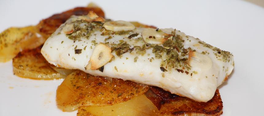 Recetario sano lomos de merluza al horno con patata for Merluza al horno facil